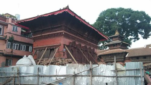 Temple after earthquake 2015